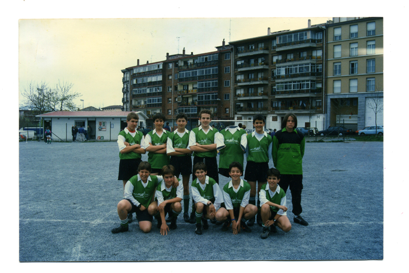 http://jonuriarte.es/files/gimgs/11_2-equipo-futbol.jpg